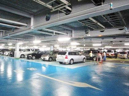 関西空港の立体駐車場