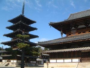 法隆寺五重塔と法隆寺金堂