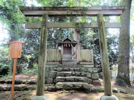 神坐日向神社