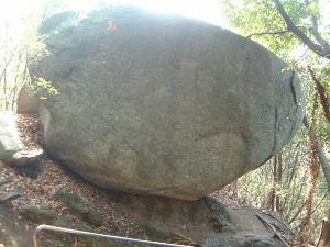 八帖岩 当の尾の石仏めぐり