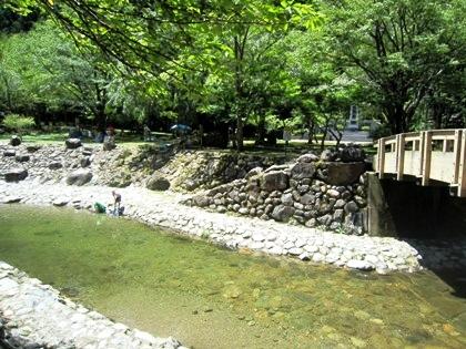蜻蛉の滝で川遊び