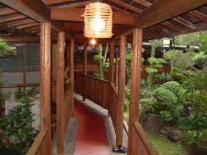渡り廊下 中庭