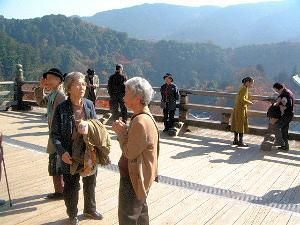 舞台の観光客 奈良県の長谷寺