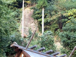 絶壁の岩肌 仏隆寺