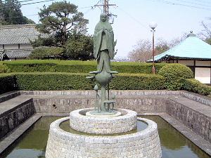 中将姫の像 當麻寺