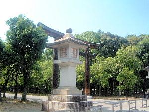 kashihara-front-torii.jpg