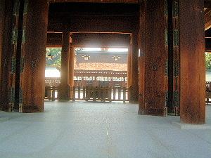 橿原神宮の内拝殿