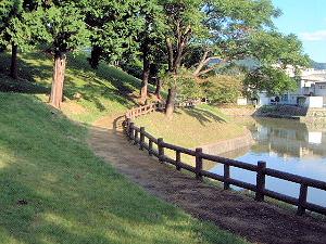黒塚古墳の堀