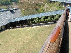 東大寺二月堂 傾斜地