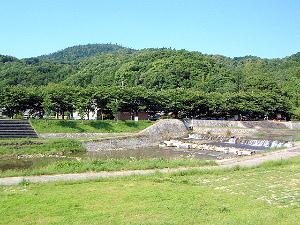 山の辺の道 三輪山と初瀬川