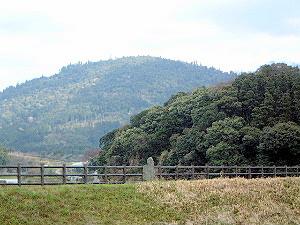 三輪山と箸墓古墳