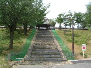 戒壇院への階段