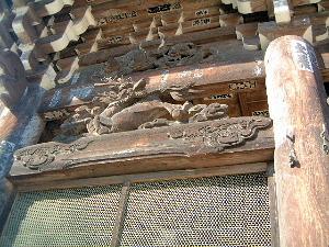 仁王門の龍の彫刻 奈良県の長谷寺
