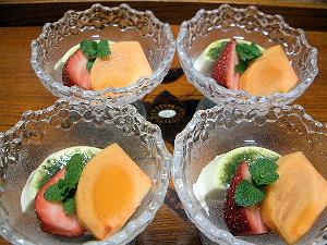 大和茶パンナコッタ イチゴ 柿