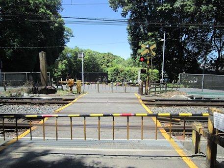近鉄南大阪線の遮断機