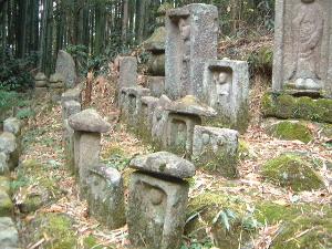 大門の石仏群 石仏めぐりの散策ルート