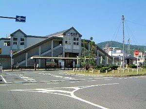 桜井駅南口