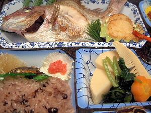 仕出し料理 焼鯛 赤飯