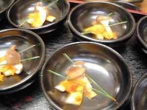 シメジ赤土焼き キノコ料理
