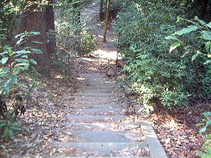 談山へ続く枕木の階段