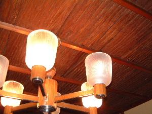 客室の杉板天井