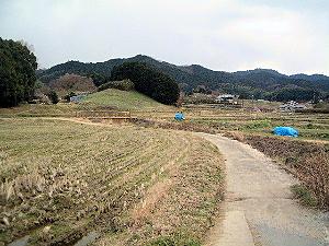 高松塚古墳壁画館へ続く道