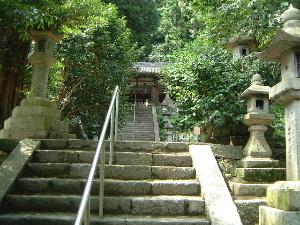 玉列神社の参道 階段
