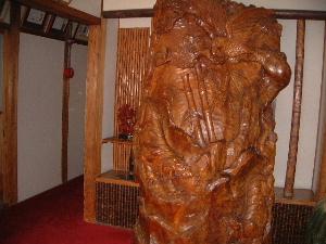 木彫りの虎