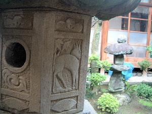灯籠の写真 中庭